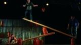 Letní Letná 2014: Cirque Trottola, Cirque Inextremiste s propanbutanovými lahvemi i La Compagnie du Poivre Rose s Ivou Bittovou