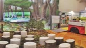 Výstava Lidé odvedle v centru Mikádo