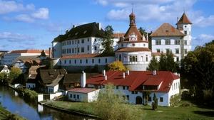 Putovní výstavy Katedry teorie a dějin umění UMPRUM Praha