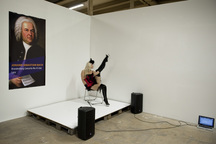Lenka Klodová prozkoumá v Galerii NoD fenomén striptýzů