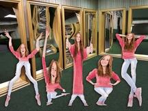 Zrcadlový labyrint v přízemí Divadla kouzel