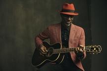 KEB' MO' vydává 14. června nové studiové album Oklahoma, 16. července koncertuje v Divadle Archa v Praze