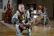 Kapela Wohnout se převtělila do známého ruského herce - nový videoklip Depardieu