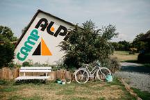 Camp Alpa, Sisters' Café&Bistro
