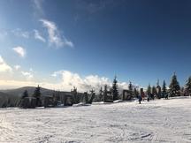 Leden ve Špindlu ve znamení skvělého lyžování, nízkých cen, a navíc bez čekání!