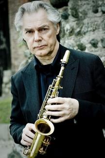 Norský saxofonista Jan Garbarek zahraje po několika odkladech 24. srpna v Praze v sále Fora Karlín