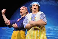 Kolíbá se velryba - Divadlo Alfa