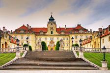 Závěrečný koncert LEDNICKO l VALTICKÉHO HUDEBNÍHO FESTIVALU: Čechomor & MFO v Zimní jízdárně zámku Valtice