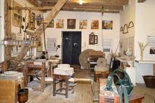 Vodní mlýny a dobové náčiní - Muzeum a galerie Mlejn